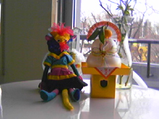 東海がバリで買ってきたカミサマ (?) のお人形。